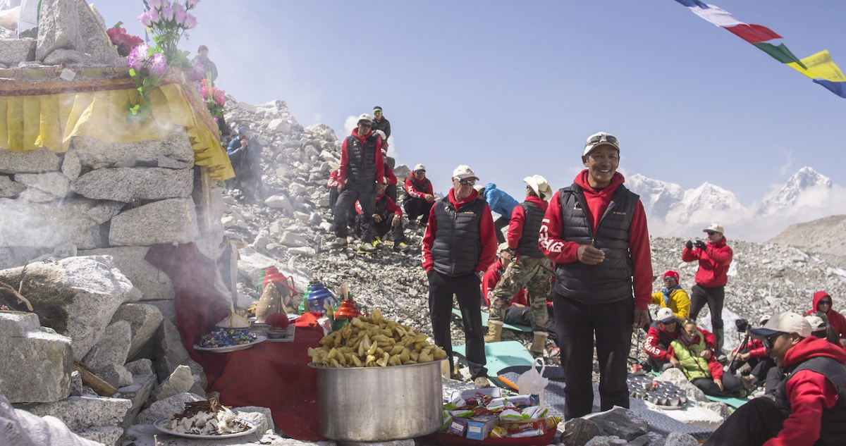 Sherpa_87_Puja-at-Base-Camp