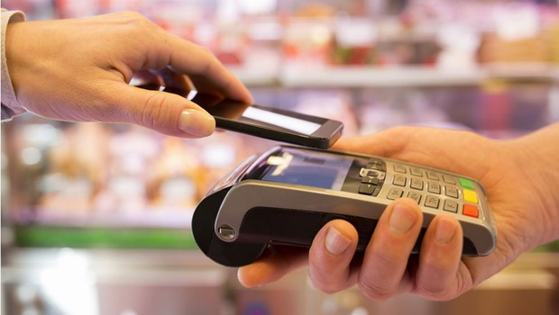 Contactless payment with a mobile phone