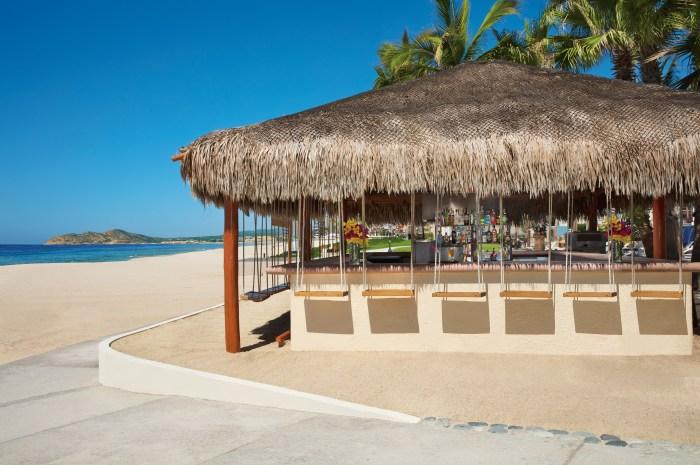 Dreams Los Cabos Barefoot Bar