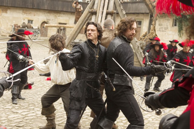 DVD Review: The Three Musketeers