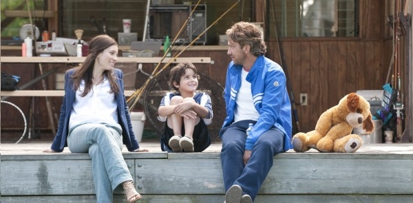 'Soccer Mums' Love Gerard Butler's Ball Skills In Playing For Keeps Trailer