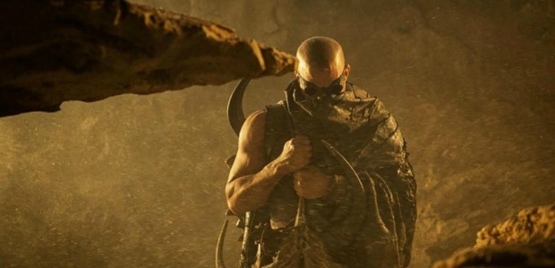 Rule The Dark Watch The New International Trailer For Riddick