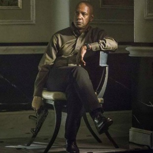 Denzel Washington In The Shadows In The Equalizer New Poster