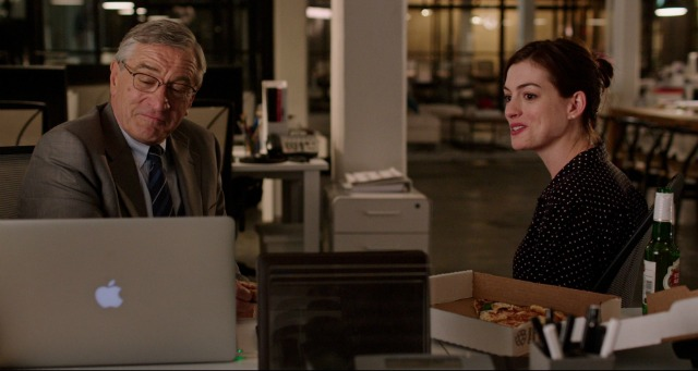 """Are You Talkin' To Me?"" Watch First The Intern Trailer"