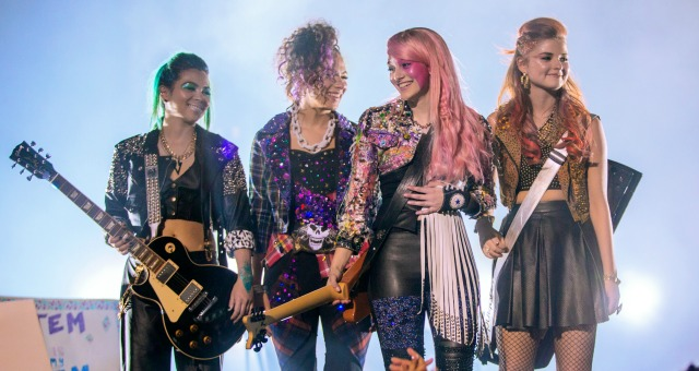 Jem And The Holograms Bedazzle Us With 1980s Glitterama