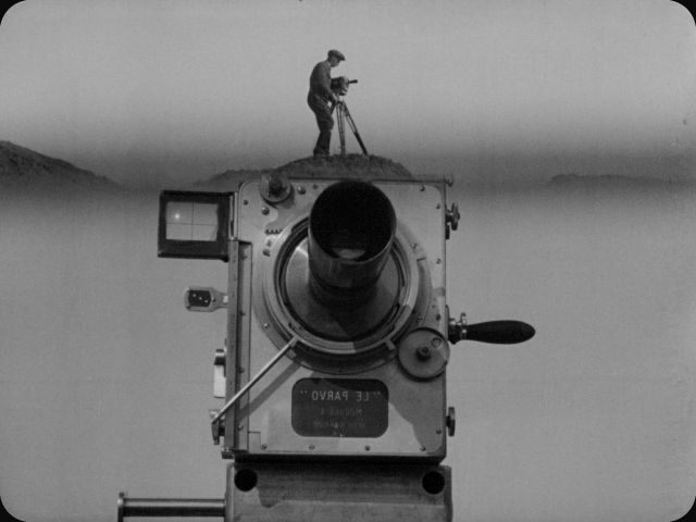 MAN_WITH_A_MOVIE_CAMERA-man