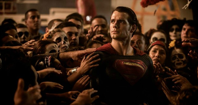 Justice Prevails In New Batman V. Superman: Dawn Of Justice Comic Con Trailer