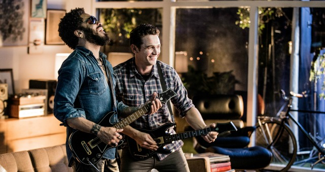 James Franco Battles Lenny Kravitz In Guitar Hero Live Trailer