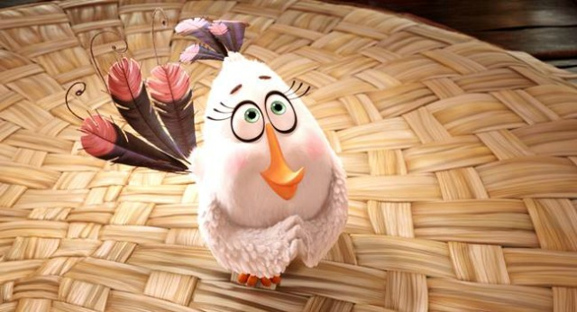 Angry Birds Hatchlings Attempt  To 'Deck The Halls' In Festive Promo