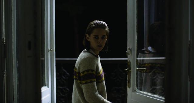 Personal Shopper UK Trailer Kristen Stewart Sees The Dead