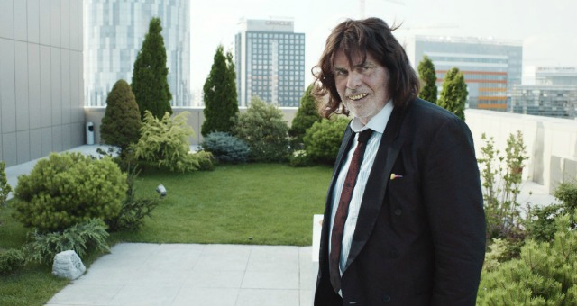 In Toni Erdmann UK Trailer Fathers Are All The Same Worldwide…Embarrassing!