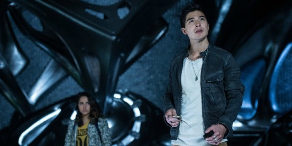 New Power Ranger Clips 'Crashes' Online