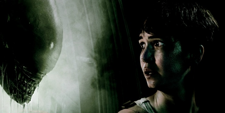 Don't Stand Close In New Alien: Covenant Poster, New TV Spot Teases 'Elizabeth Shaw'