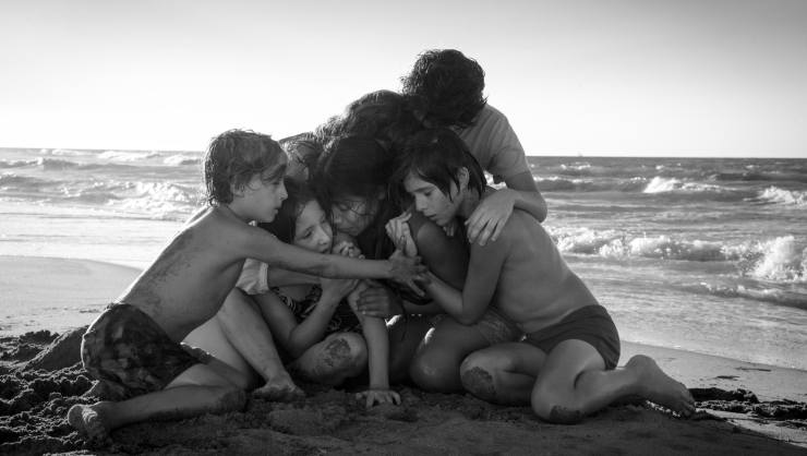 Alfonso Cuarón's Roma Gets A  New Captivating Trailer