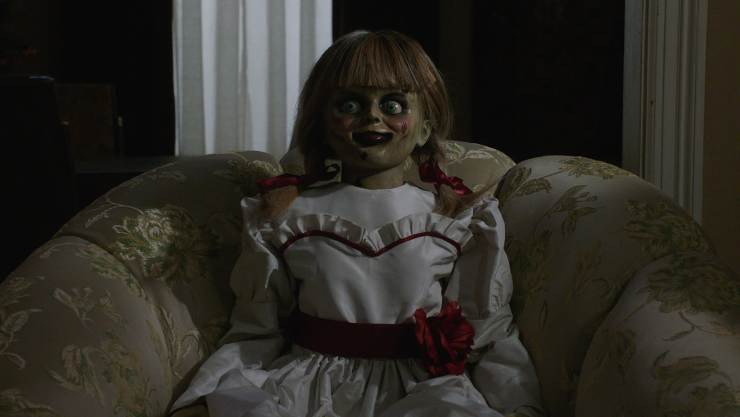 Annabelle Comes Home Unearths New Clips And Featurettes
