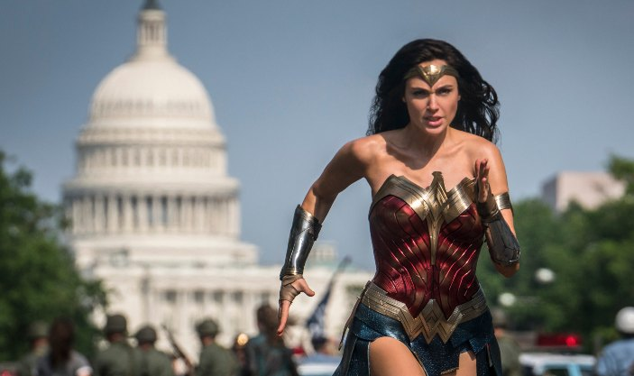 In Wonder Woman 1984 New Trailer The World Is Not Ready