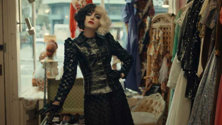 Emma Stone Is A 'Psycho' In Disney's Cruella