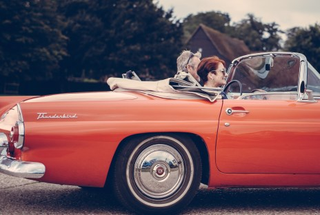 vintage-car-couple