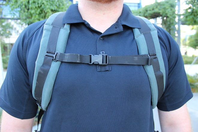 Alpha One Niner EVADE Review - on body shot, sternum strap, manly nipple