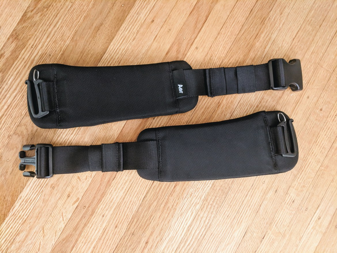 Aer travel pack 2 removable belt accessory removed from bag padding and buckles