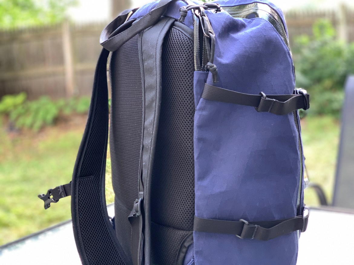 North St Bags Weekender side of bag and straps