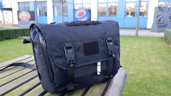 Orbit Gear R221 VB-WXBK messenger bag review wx fabric fidlock buckles black techwear bag outdoors natural light