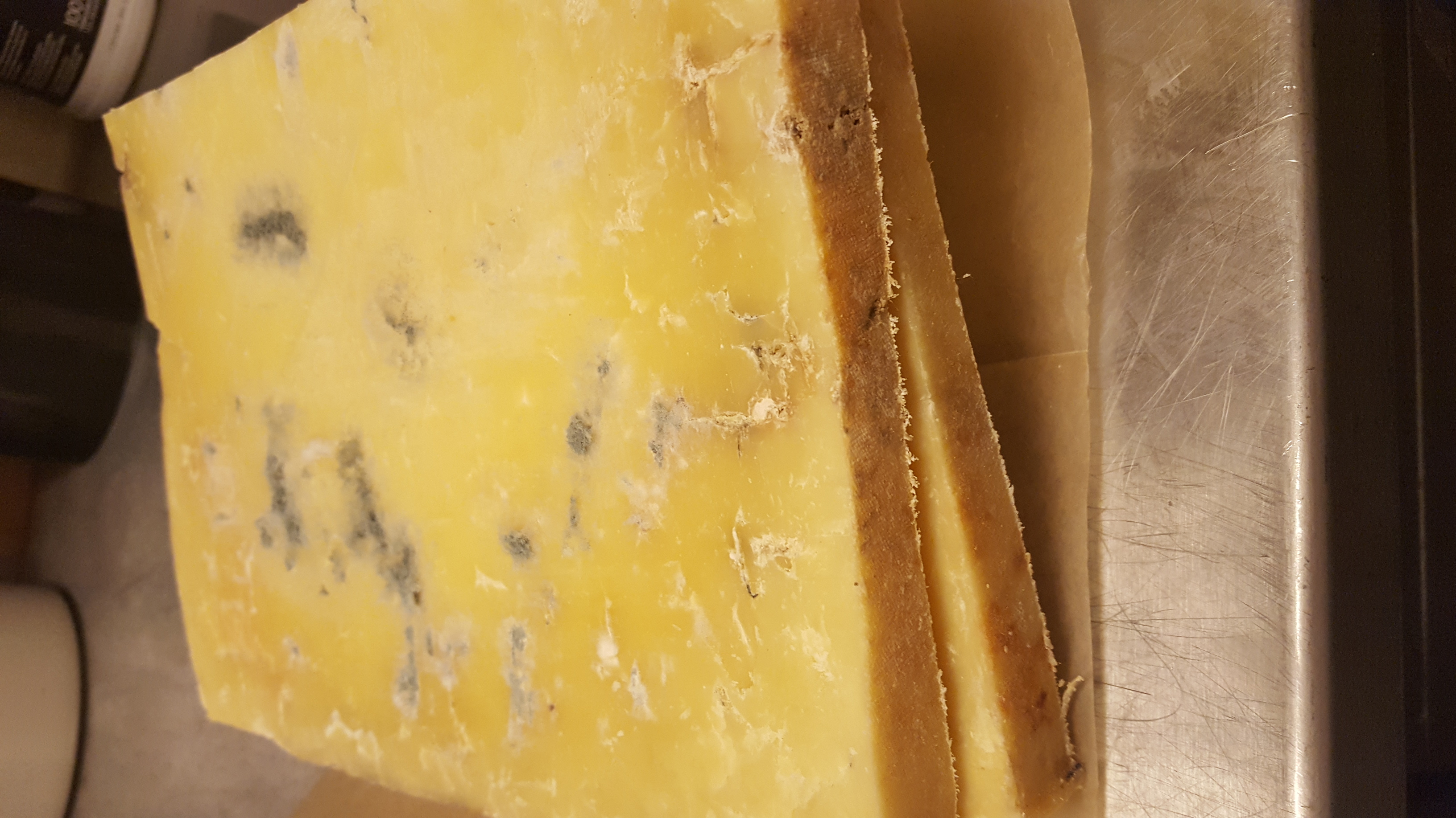 how to tell if gouda cheese is bad