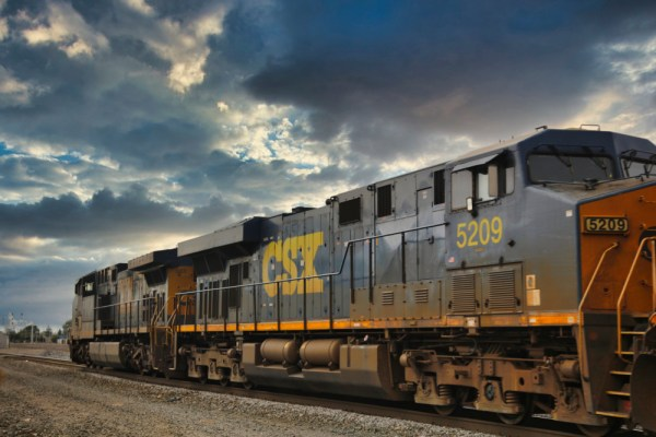 """Photophile Musings: """"CSX 563 and CSX 5209"""""""