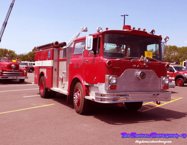 Vintage Mack Fire Truck (Photo)