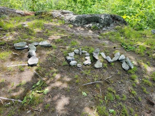 Tom in the Rocks (Photo)