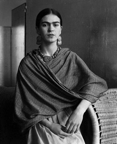 Frida_Kahlo_Rivera_1931