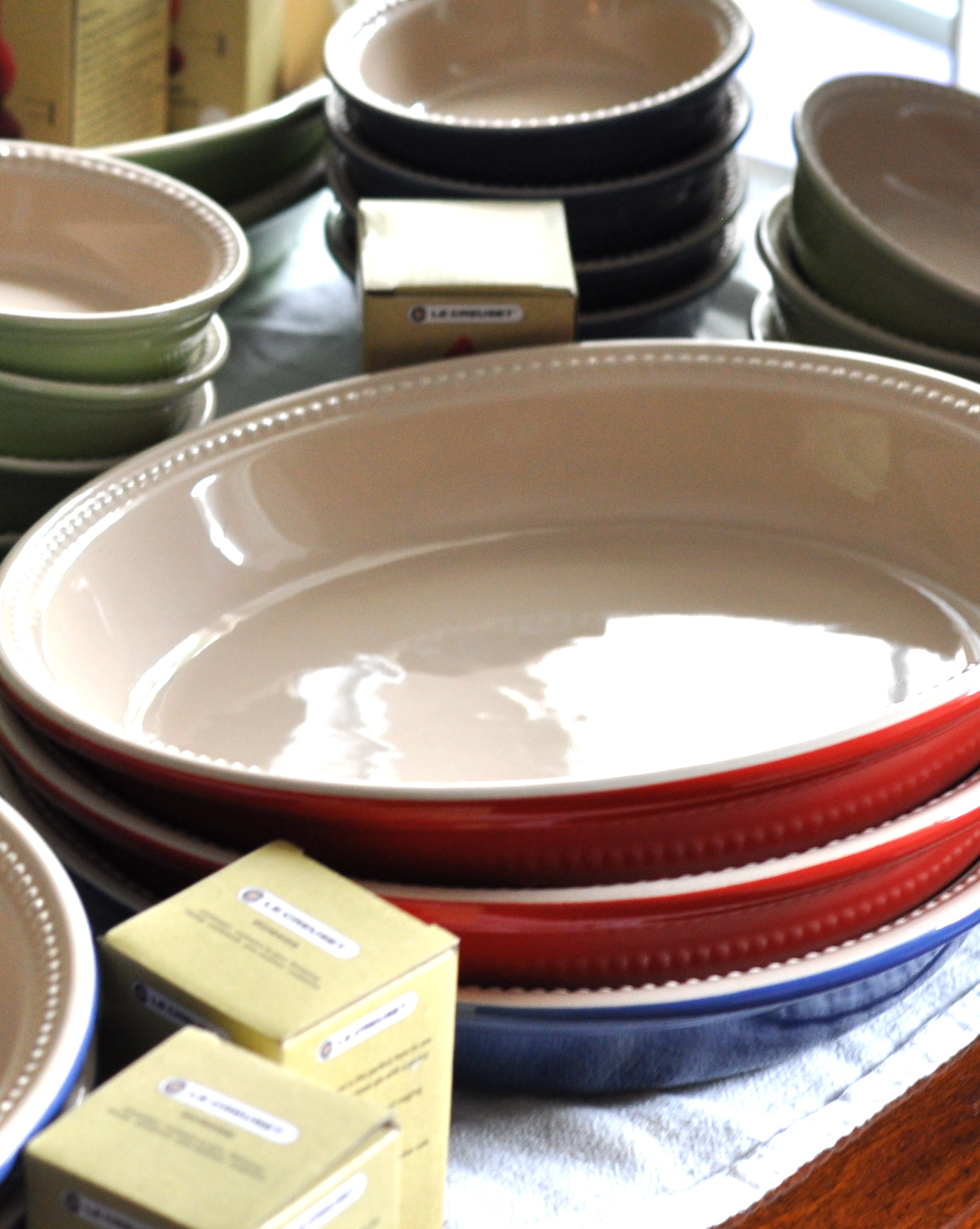 Le Creuset Thanksgiving Pie Plate Sale