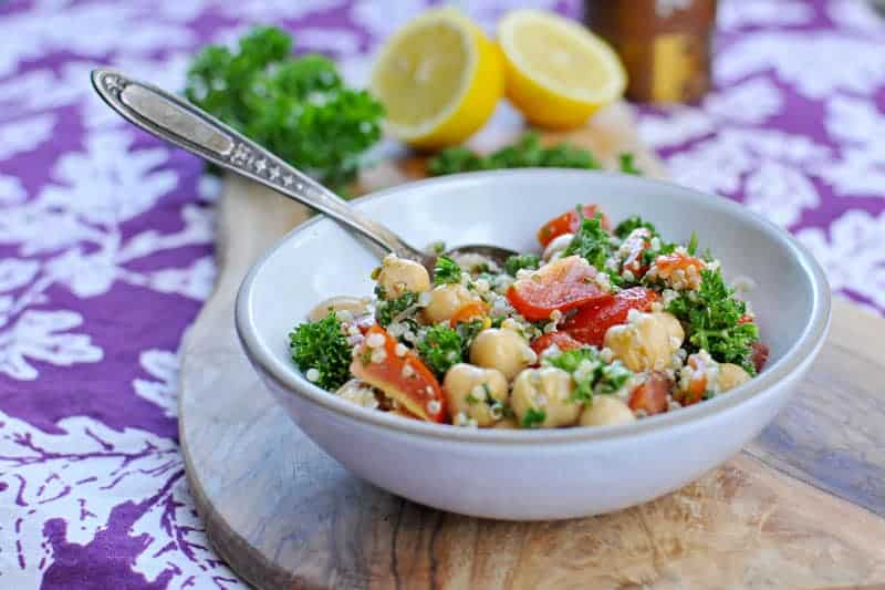 Takes only 10-mins and is perfect for lunches or potlucks! Full recipe at www.thepigandquill.com. #vegan #glutenfree #salad #recipe #quinoa