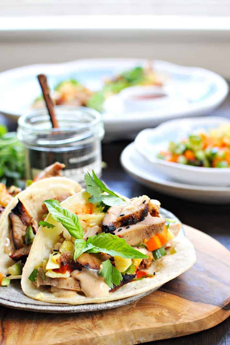 lemongrass chicken + tamago banh mi tacos with five spice mayo (via thepigandquill.com) #tacos #asian #recipe