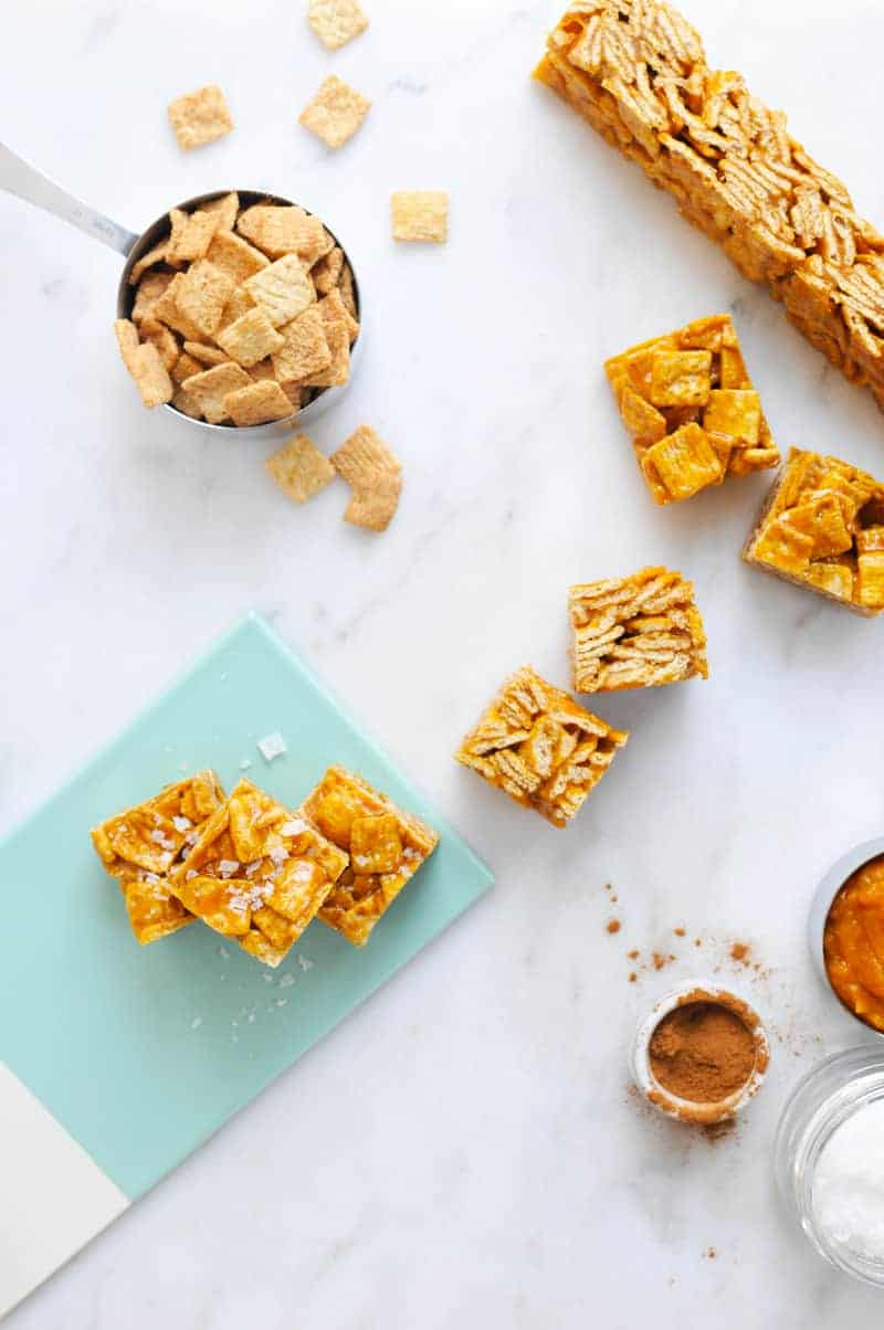 Salted Pumpkin Caramel Cinnamon Toast Crunchies (via thepigandquill.com) #dessert #fallbaking #sweets #virtualpumpkinparty