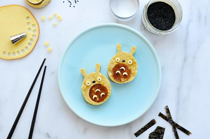 Rice Cooker Tamagoyaki Totoros (via thepigandquill.com) #breakfast #toddlereats #bakedeggs #totoroweek