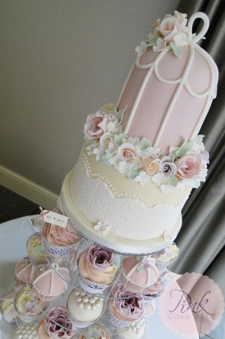 bird-cage-vintage-wedding-cake