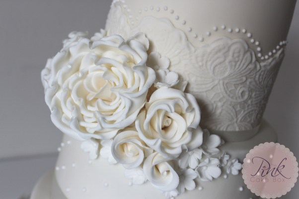 ivory-rose-and-lace-wedding-cake-copy
