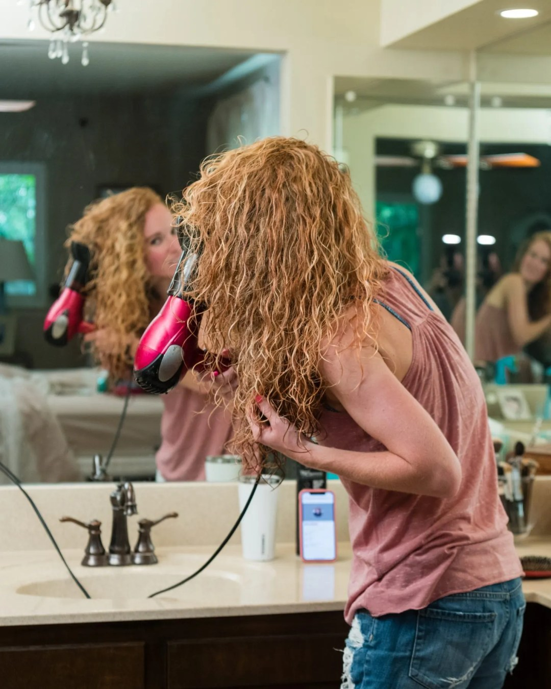 How to diffuse dry curly hair