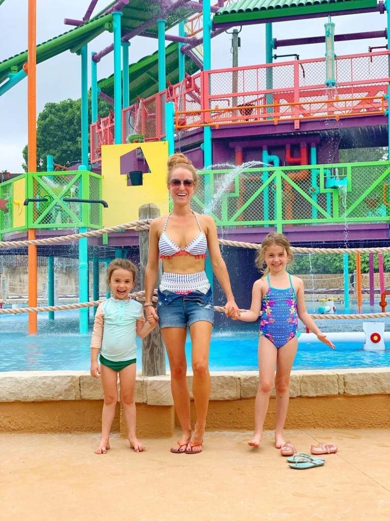 How to Visit Aquatica Texas