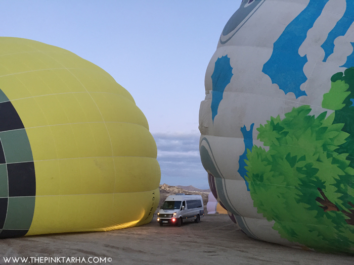 For size comparison, look at that vehicle in between two balloons!