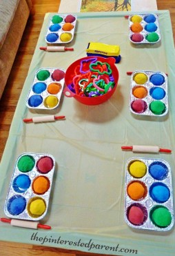 Play-doh inspired birthday party ideas - Fill disposable muffin tins with different colors of Play dough. Lay out rolling pins and other play dough tools. CHeck out the site for more ideas.