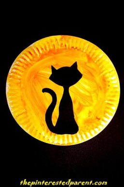Paper Plate Black Cat Silhouette - Halloween Kid's Crafts
