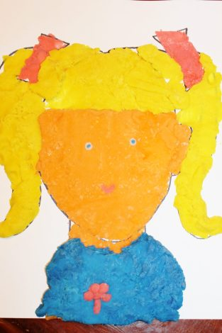 Free Printable face mats for Play dough & for drawing inspiration for kids. Arts and crafts and creative activities