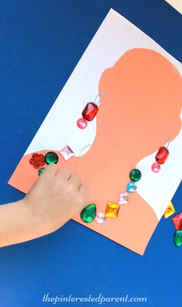 Jewelry craft activity - Make a necklace & earrings out of craft gems . Kid's arts & crafts