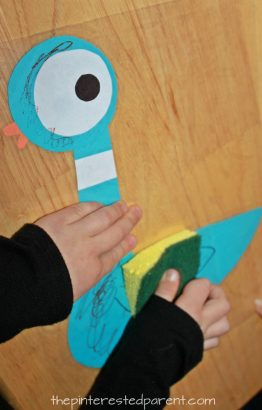 Dry erase cleaning activity for kids - inspired by the book 'The Pigeon Needs a Bath' -preschooler arts, crafts and activities