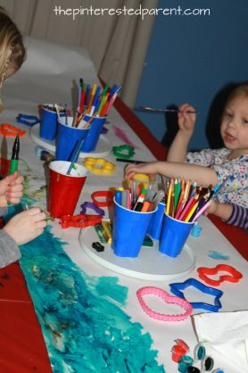 Use butcher paper & lazy susans for the kids for a kid's art party. Kid's arts & crafts and party ideas.