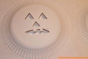 Cut out the the outline to make the Jack-O-Lantern face.