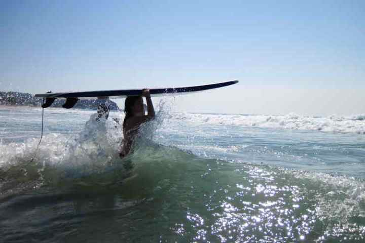 surfing-mexico-zipolite