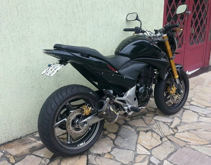 Sosok motor sport misterius plat T sedang ditest di jalan